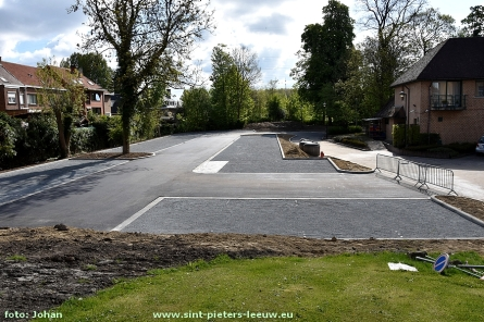 2017-04-26-nieuwe-extra-parking-OCMW_Ruisbroek_01