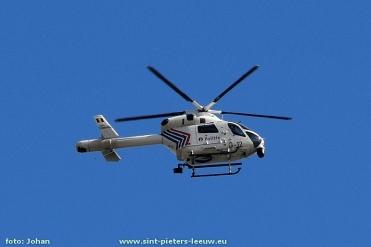 2017-04-27-Politiehelikopter-RAGO_zoekactie_Sint-Pieters-Leeuw_02