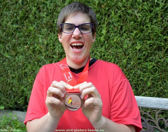 2016-05-27Alysa-Gomez_brons_Special-Olympics