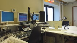 2017-07-15-radio-Victoria_studio.jpg