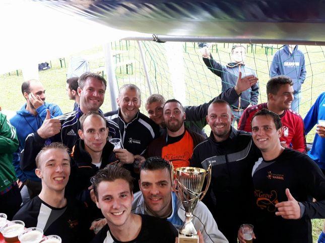 2017-08-12-gareel-wint-1ste-tornooi-kastaars.jpg