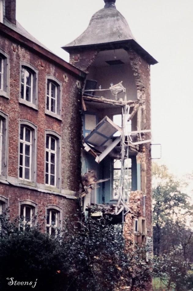2017-09-12-archieffoto_Julien-Steens_1988-ingestorte-toren-Colomakasteel