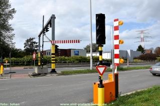 2017-10-01-vrachtwagen-Portaal-Humaniteitslaan-beschadigd_04