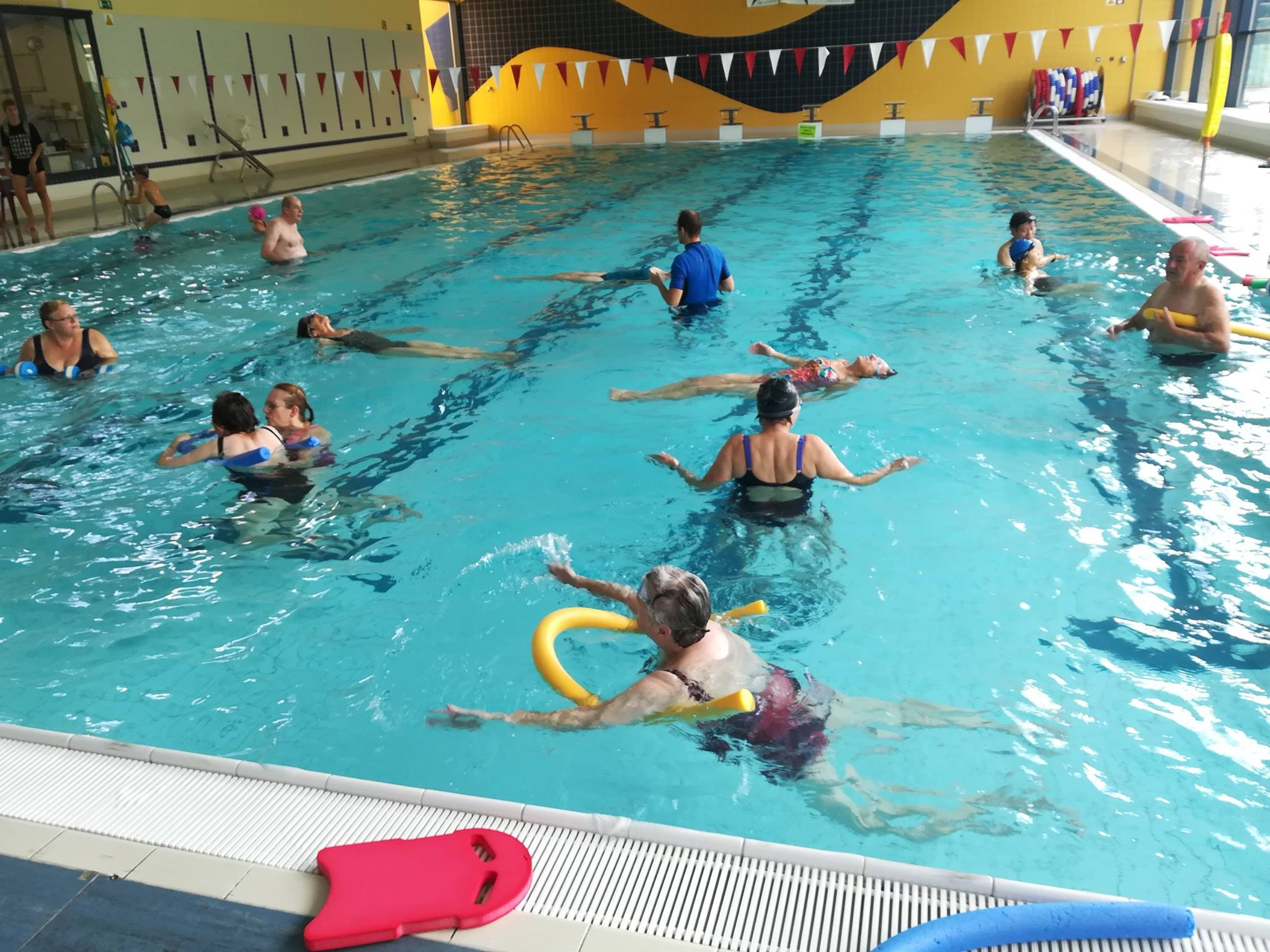 34eec22d015015 agenda: zwemmen met de Lokale Dienstencentra tijdens de zomervakantie