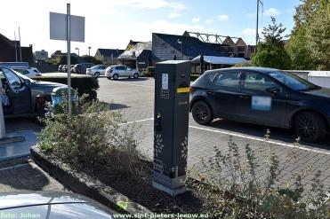 2017-10-27-laadpaal_parking_Merselborre_Vlezenbeek_01