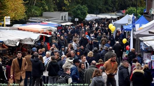 2017-11-11-jaarmarkt_Sint-Pieters-Leeuw (117)