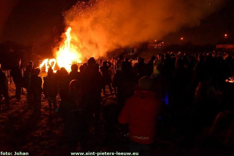 2018-01-06-LG-kerstboomverbranding_Vlezenbeek (30)