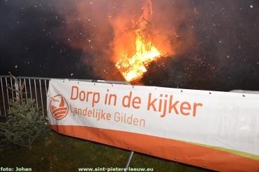 2018-01-06-LG-kerstboomverbranding_Vlezenbeek (38)