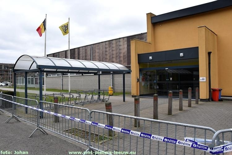2018-03-10-sporthal-Wildersportcomplex-afgesloten (6)