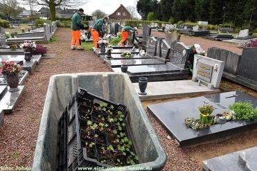 2018-04-16-ingroenen-kerkhof_Vlezenbeek (11)