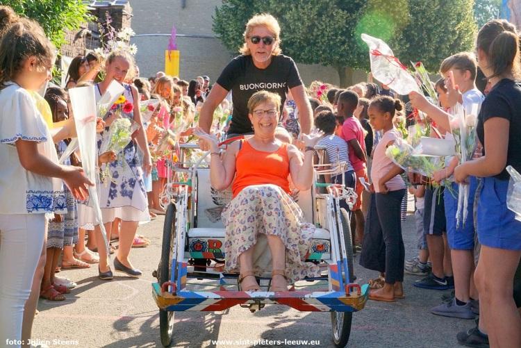 2018-06-29-Pensioenviering juf Chantal (7)