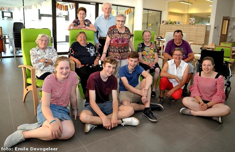 2018-07-04-jongeren-helpen-in-Sint-antonius_01