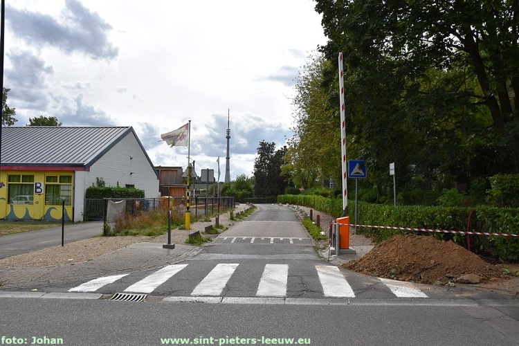 2018-08-24-slagbomen-Mekingenweg (2)