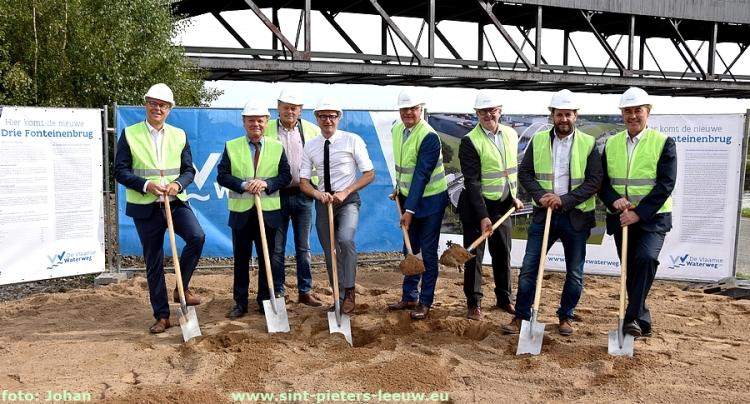 start bouw Drie Fonteinenbrug Negenmanneke