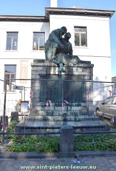 2018-09-26-restauratie-oorlogsmonument_Sint-Pieters-Leeuw (1)
