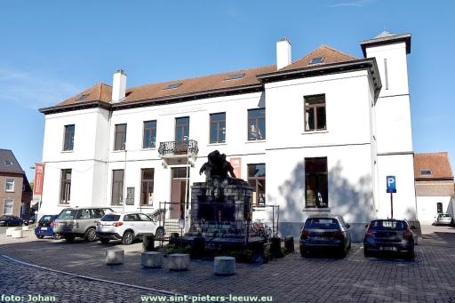 2018-09-26-restauratie-oorlogsmonument_Sint-Pieters-Leeuw (2)