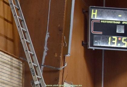 2019-08-08-herstelling-gebarsten-kolom-sporthal-Wildersportcomplex