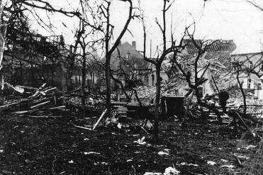 V1-bommen in WOII - aan V-Maloustraat_03